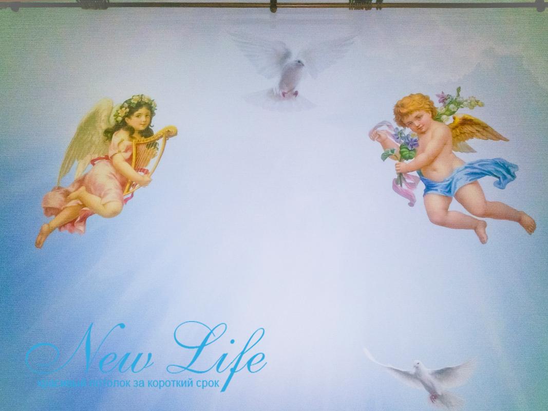 фрагмент потолка с арт печатью коллажа по индивидуальному заказу