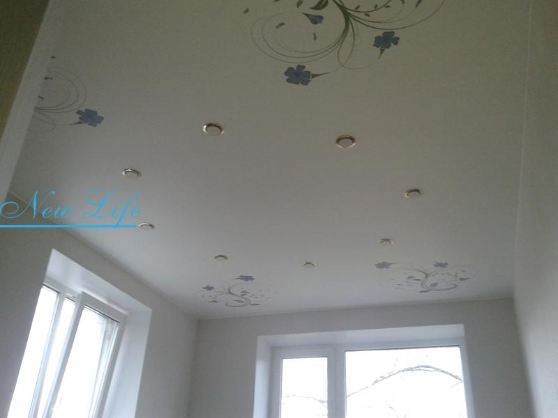 Фотопечать на натяжном матовом потолке - декор в углах комнаты, рисунок из каталога Орнаменты