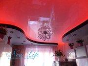 двухуровневый потолок с просвечивающей OLED подсветкой