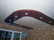 Двухуровневый потолок в форме подковы