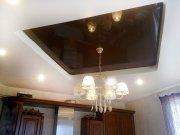 Многоуровневый натяжной потолок из матовой и цветной лаковой фактуры