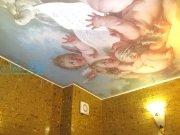 Фотопечать Искусство на сатиновом натяжном  потолке в ванной