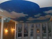 Фотопечать Небо на сатиновом натяжном потолке в составе двухуровневого потолка