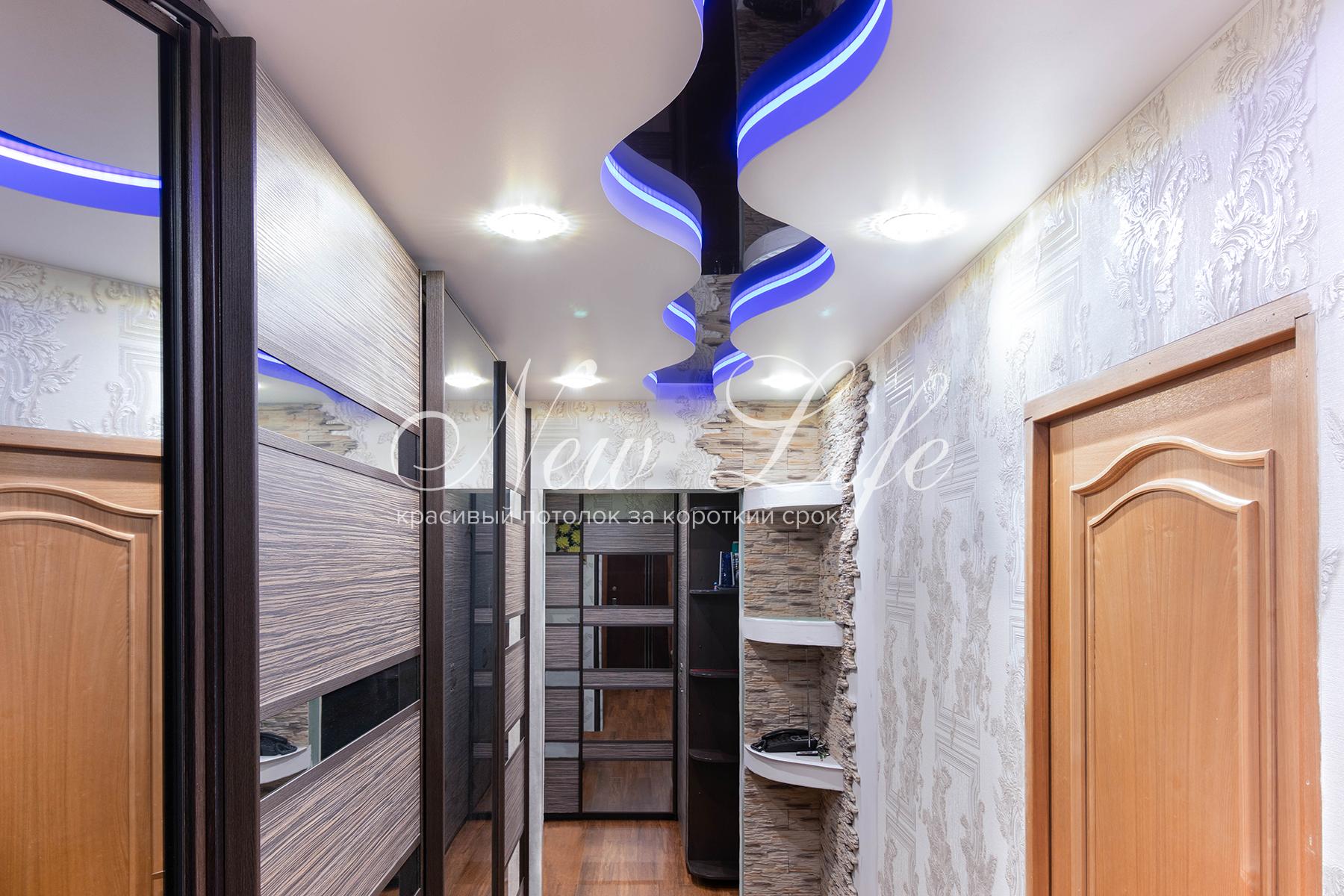 надо лениться фото коридора с натяжными потолками полезных