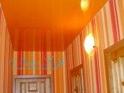 оранжевый лаковый потолок